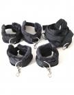 Оковы и наручники  с ремнями NOTABU черные